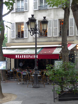 The first stop, Restaurant Beaurepaire, appears in a number of films. , Alan D S - July 2017
