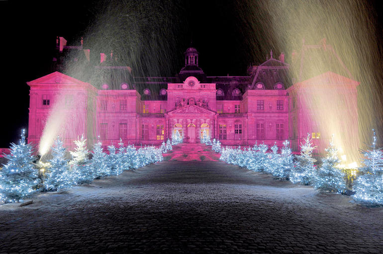 All lit up for Christmas! - Paris