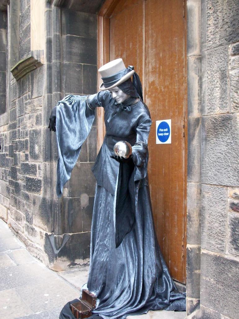 Street performer - London