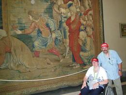 Samen met myn man Marc aan een van de vele schilderyen in het vaticanmuseum! , catwoman - July 2013