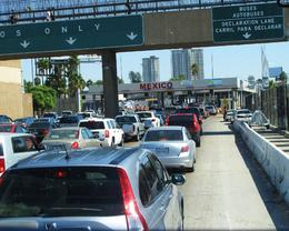 ...waiting at the border to get into Mexico., Hye-Rim P - October 2009
