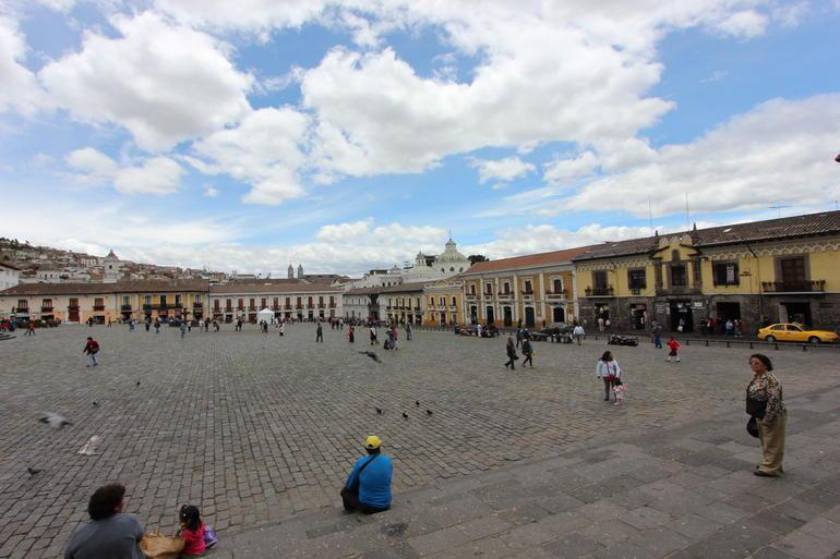 Plaza - Quito