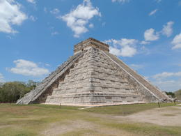 The Pyramid of Kukulkan in Chichen Itza , Kevin F - May 2013