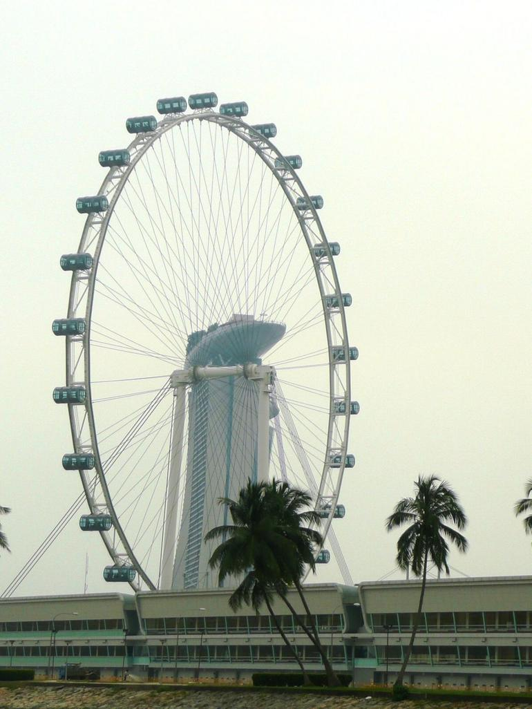 The singapore flyer from the DUKW tour - Singapore