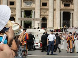 The Pope mobeel travelling up the steps, Joseph Q - July 2010