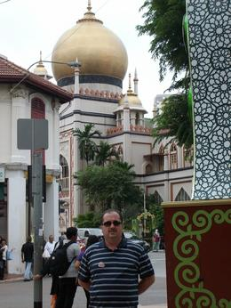 Fatih at the front of Sultan Mosque Singapore - September 2009