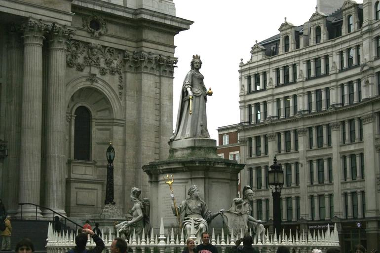 Queen Anne Statue at St Paul's - London