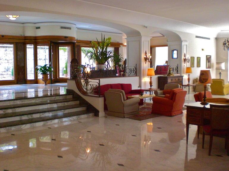 Hotel Lobby - Rome