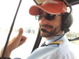 Ricardo, notre pilote après nous avoir fait découvrir Lisbonne vue d'en haut !! , Séverine T - October 2015