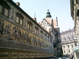 Maravilhoso mural contendo a história dos reis de Dresden , Artur Ribeiro - April 2013
