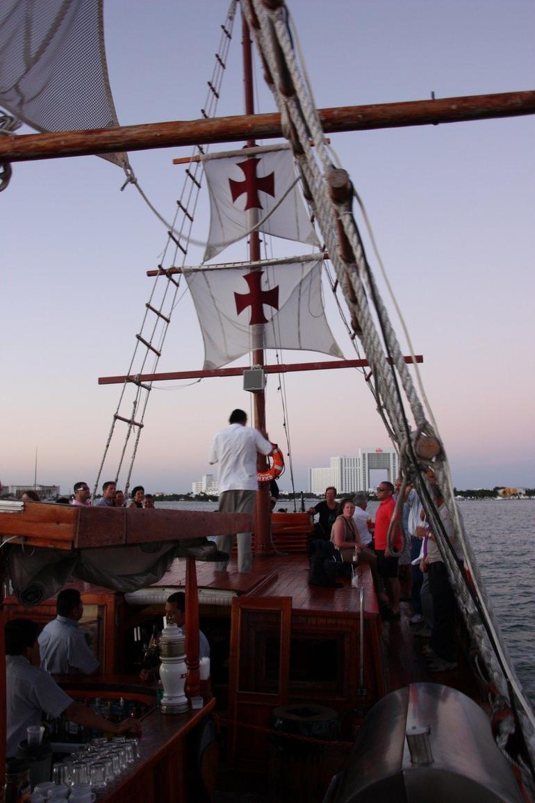 Ship - Cancun