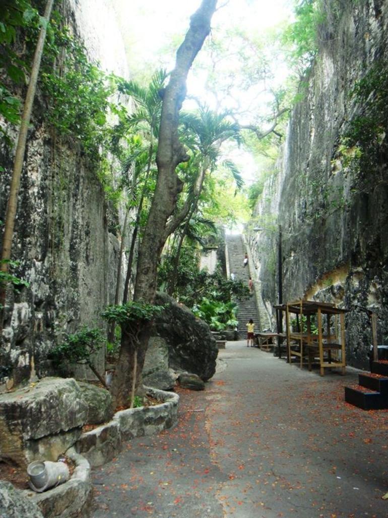 Queen's Staircase - Nassau