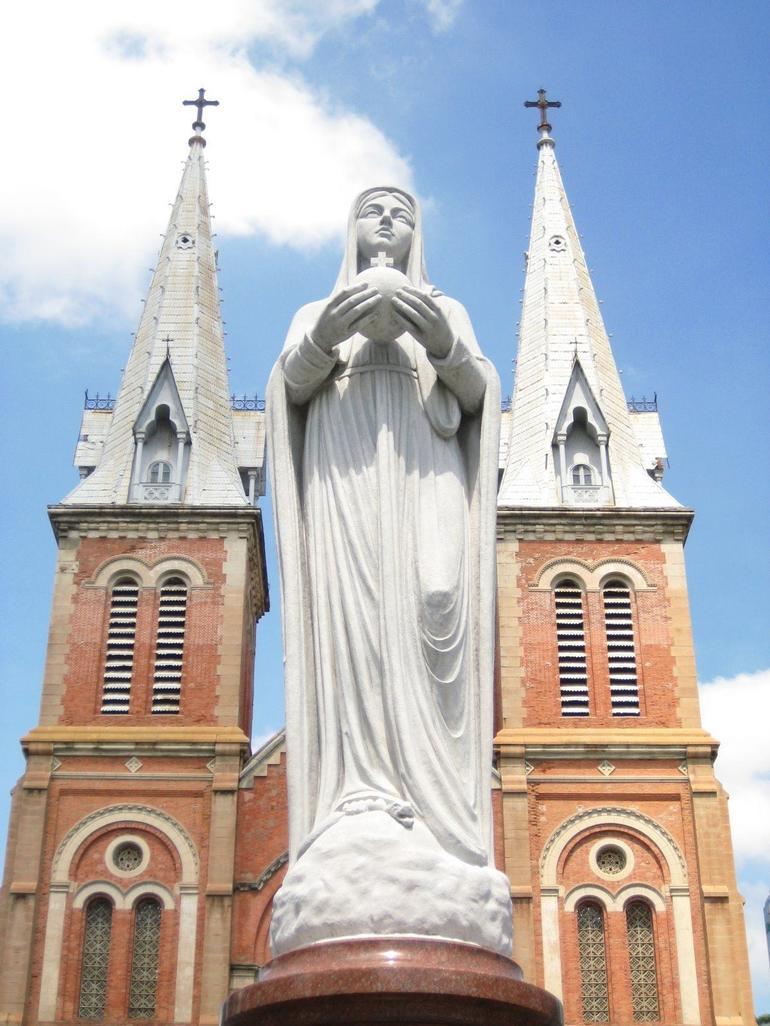Basilica Notre Dame - Ho Chi Minh City