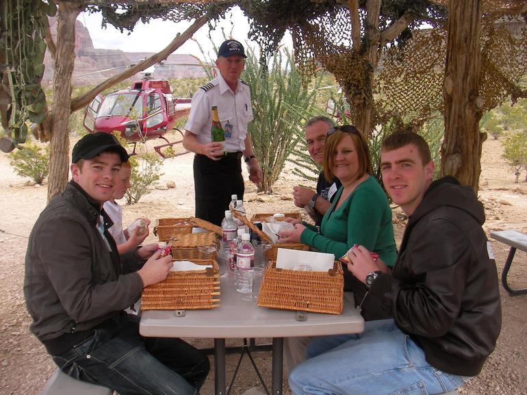Champagne picnic - Las Vegas