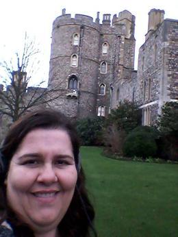 Foto do lado de fora palácio, pois dentro nada de fotografias! Não deixe de ver a capela de st. George! , luciana e - January 2015