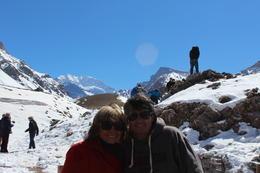 estávamos olhando o monte aconquaguá, que é o monte do meio com mais neve , salvador m - September 2014