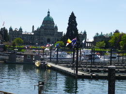We had a full three hours to wander around and have lunch in downtown Victoria. , Antoinette P - May 2014