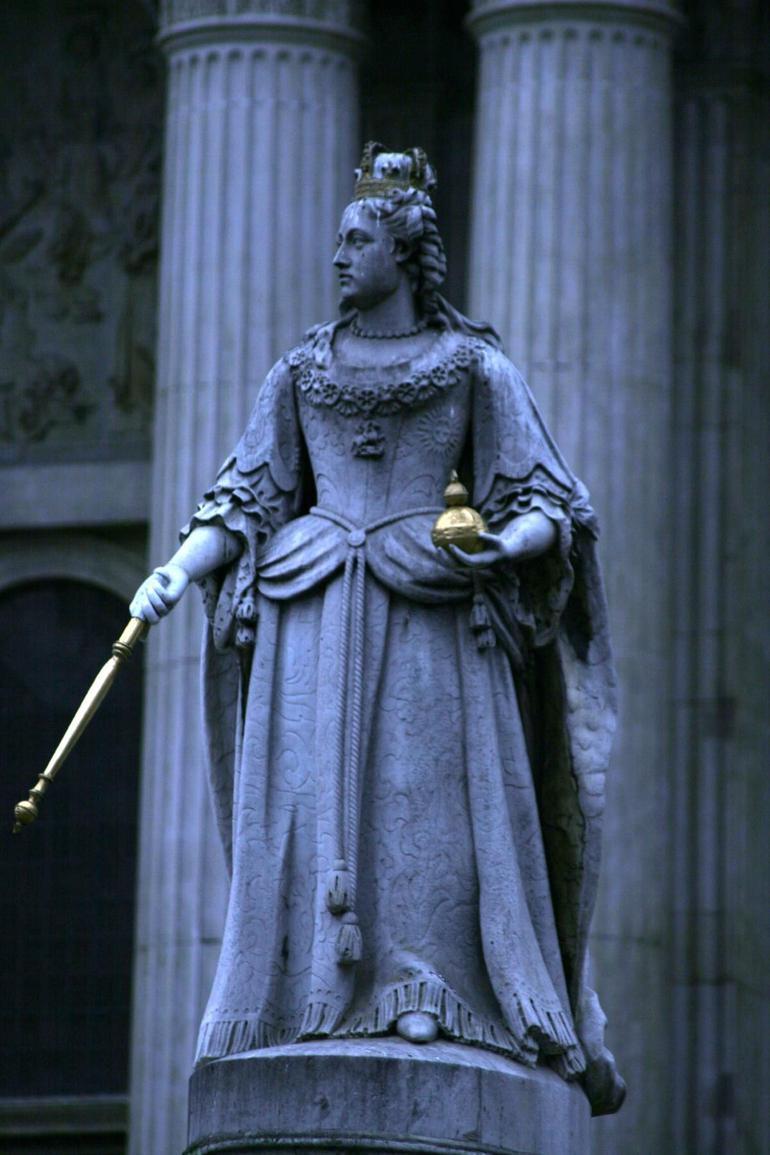 Queen Anne - London