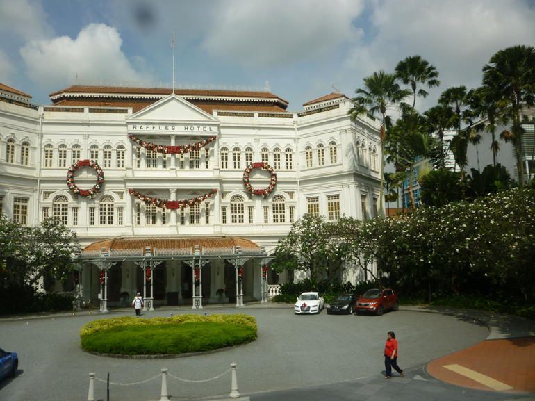 Raffles Hotel decorated for Christmas - Singapore