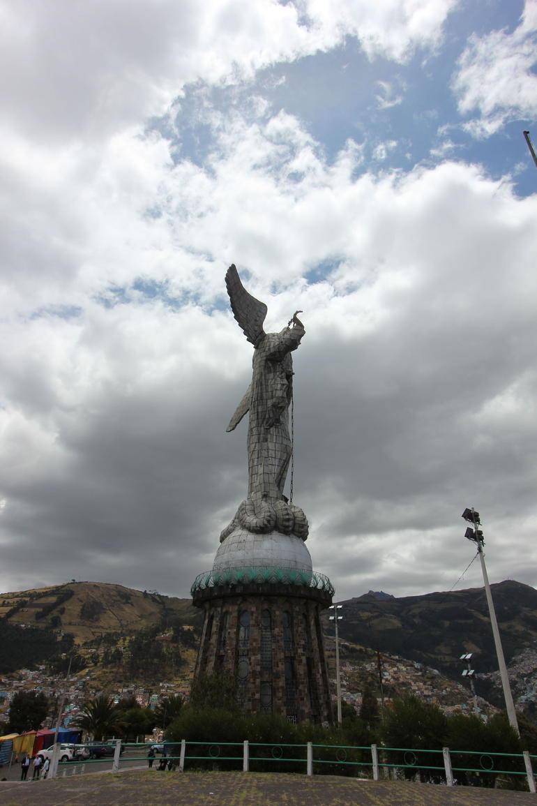 Statue - Quito