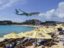 Maho Beach is relatively small and crowded, but if you time it right early to mid afternoon, you can see large planes landing at Princess Juliana Airport. , johnpworkman - July 2015