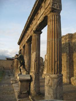 Pompeii, Yvette B - November 2009