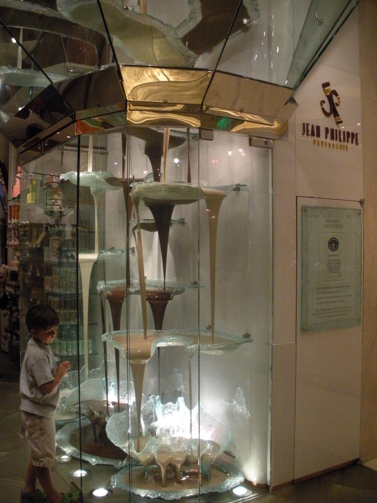 The Worlds Largest Chocolate Fountain - Las Vegas