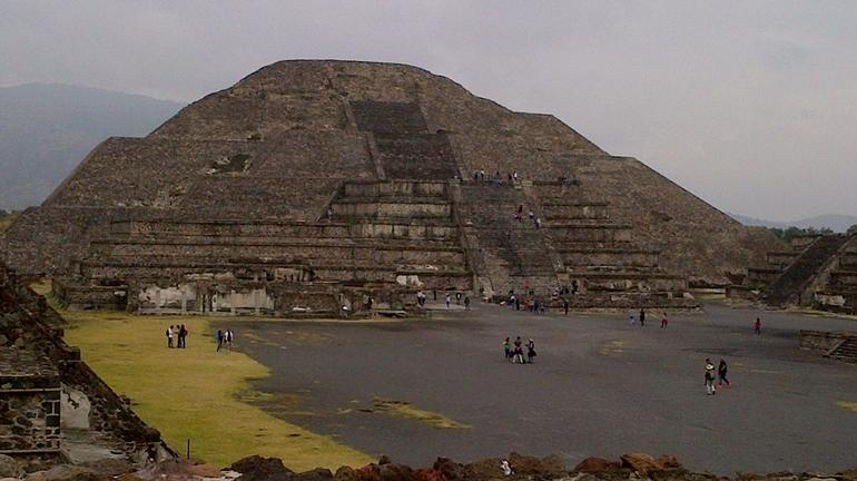 Teotihuacan Pyramids and Shrine of Guadalupe photo 16