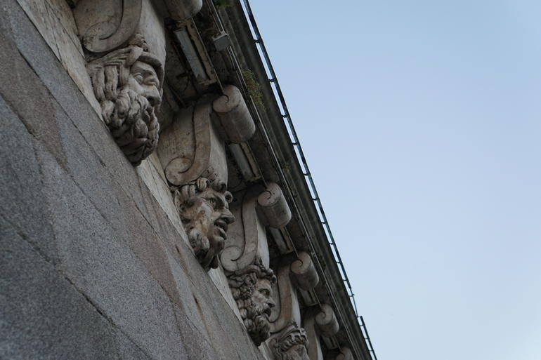 Ghosts, Mysteries and Legends Night Walking Tour of Paris photo 11