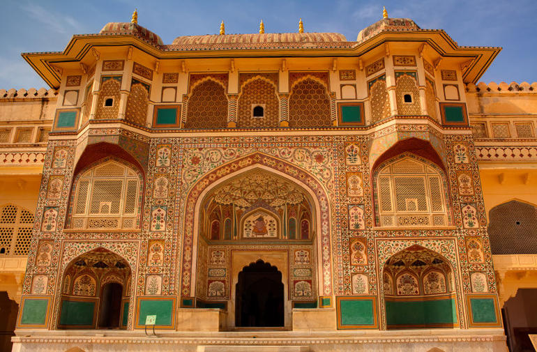 Amber Fort courtyard in Jaipur, Rajasthan, India - New Delhi