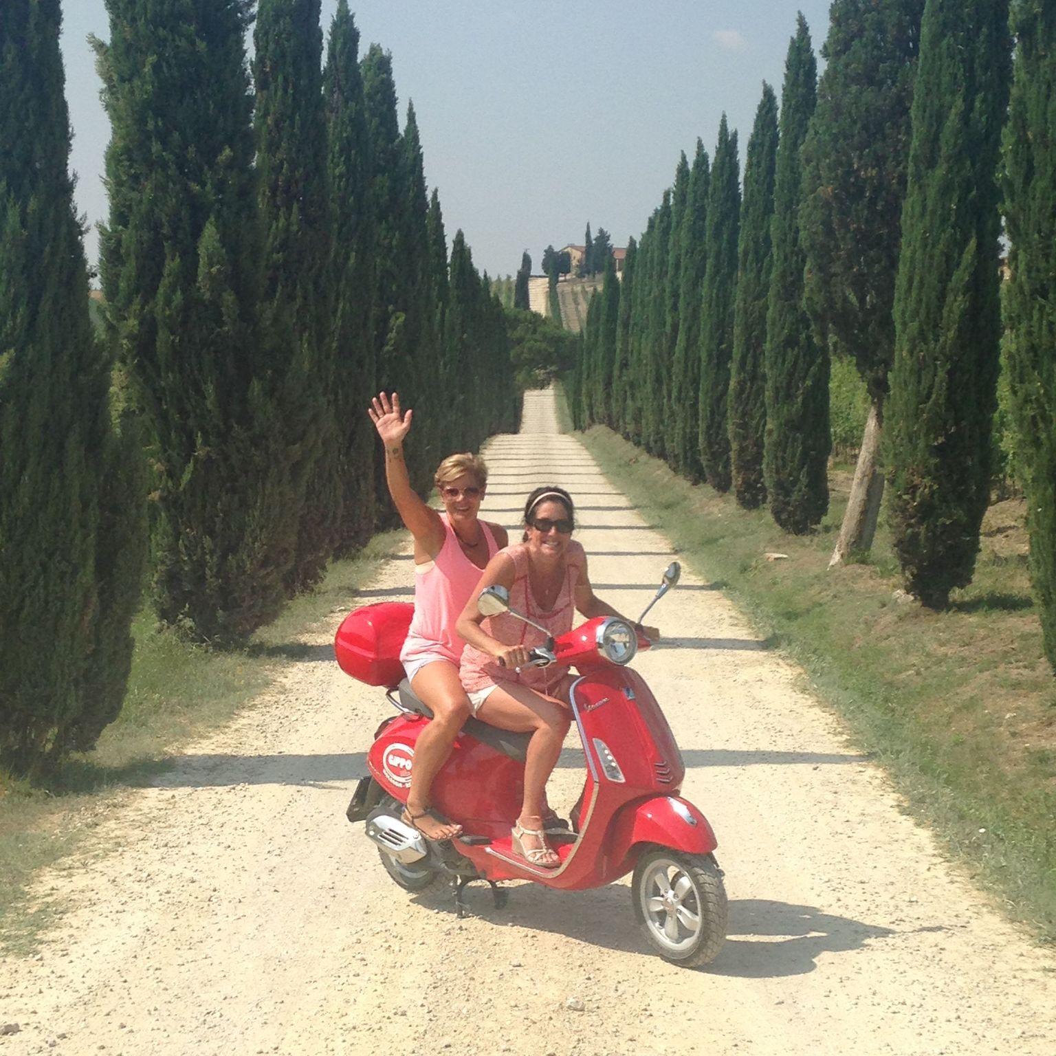 MÁS FOTOS, Excursión en Vespa por Siena con almuerzo en una bodega Chianti