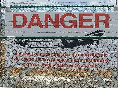 Photo Of Philipsburg St Maarten Landausflug Halbtagige Tour Zum Orient Beach Und Maho Sign