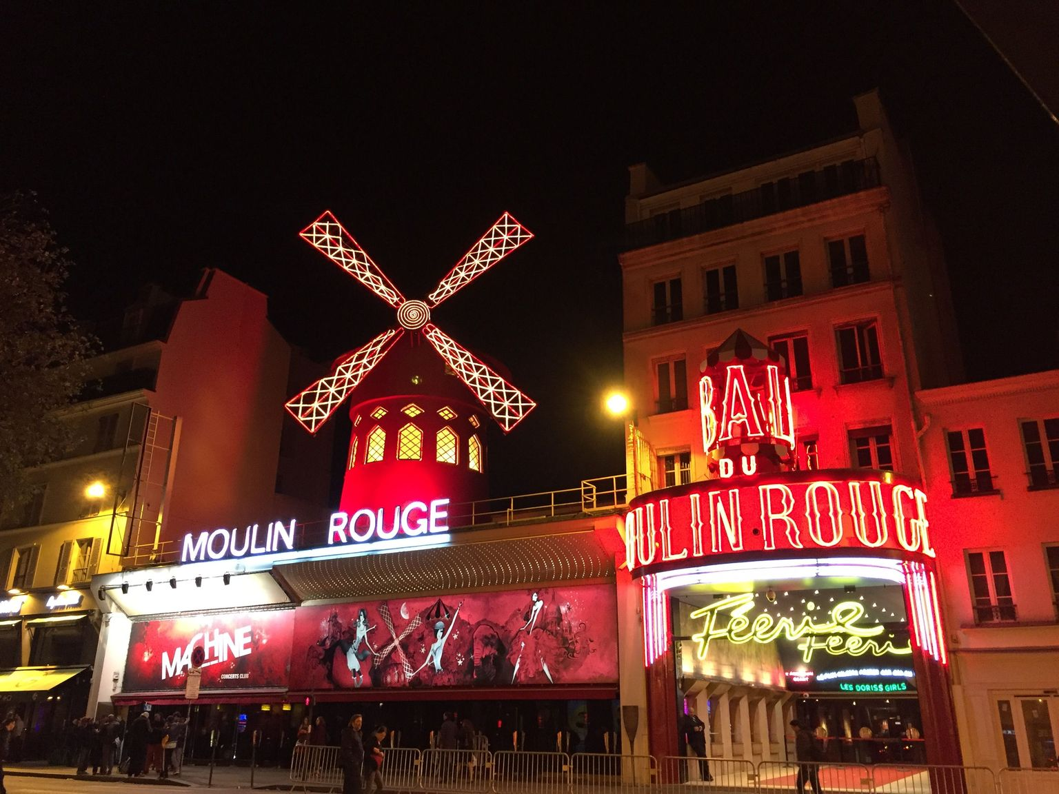 MAIS FOTOS, Moulin Rouge Show Ticket VIP Seating with Champagne
