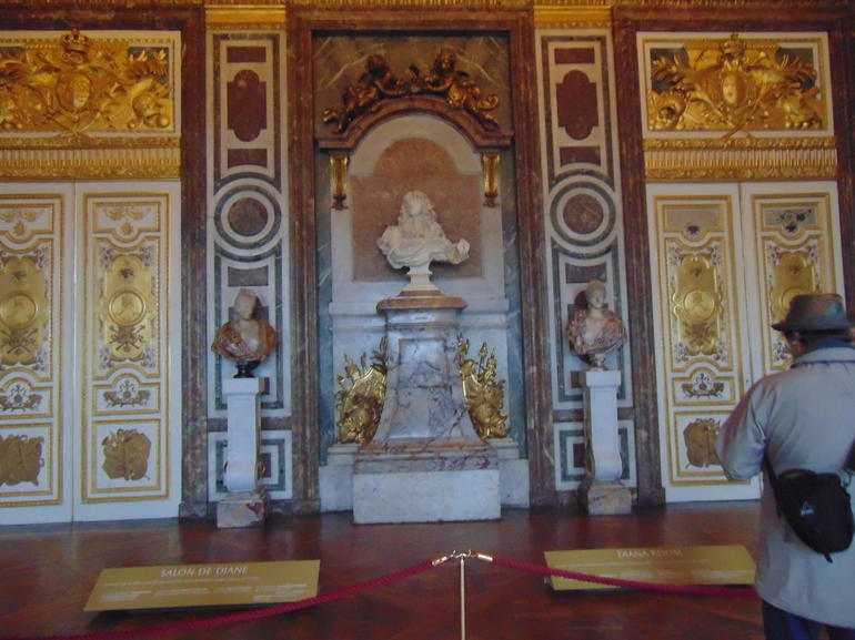 Full Day Tour with Versailles Palace, Eiffel Tower and Seine River Cruise photo 17