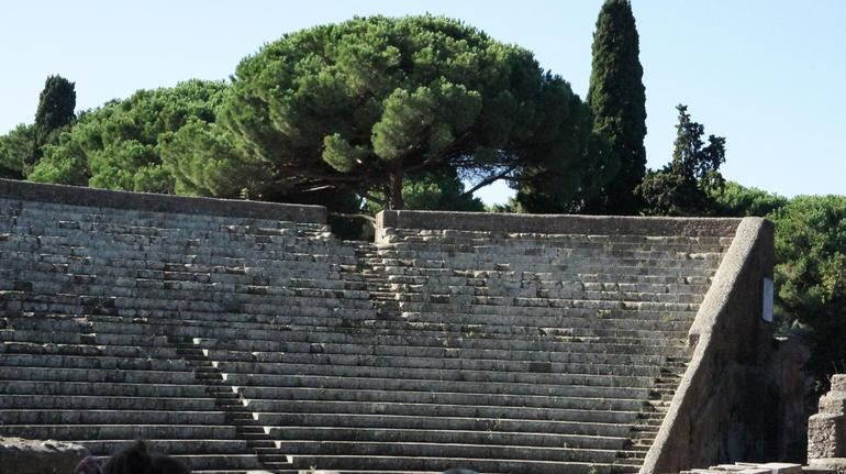 The thaetre - Rome