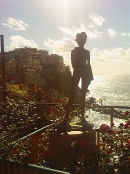 Statue at the top of Manarola, Sandra - October 2013