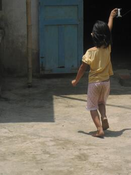 Girl With Kite, Undercover Américan - June 2010