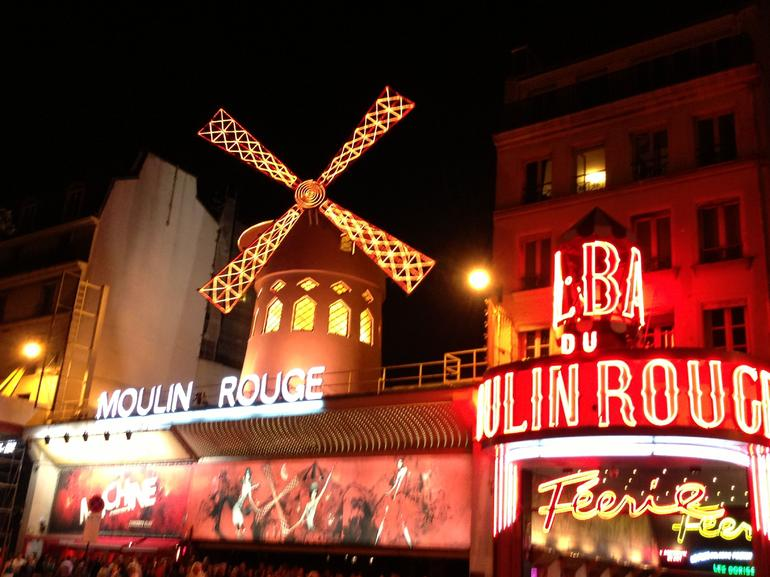 Moulin Rouge Night! - Paris