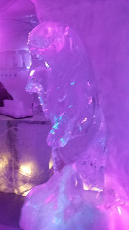 Une des sculptures du ice bar , Vincent P - September 2014
