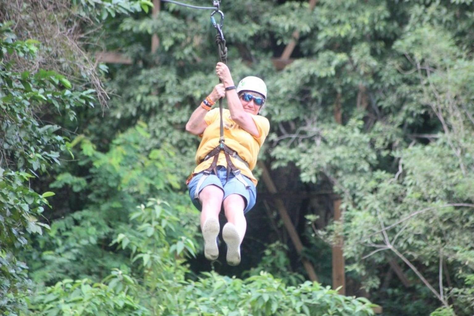 MÁS FOTOS, Zipline, Optional Monkeys/Sloths/Macaws Visit & West Bay Beach Resort: Roatan,HN