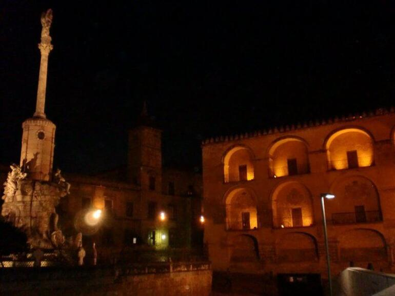 33625_1667772938592_1365385147_1749623_5109490_n.jpg - Andalucia