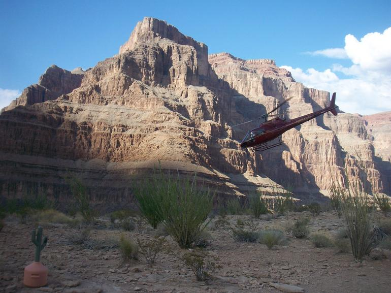 Helicopter taking off in canyon - Las Vegas