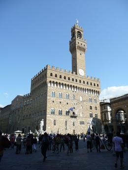 Palazzo Vecchio overlooks Piazza della Signoria, Philippa Burne - July 2011