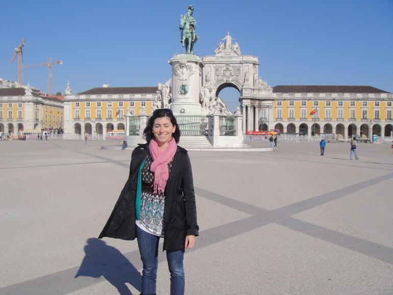 Small-Group Hidden Lisbon Walking Tour - Lisbon