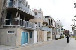 Houses along the beach, Jeff - September 2013