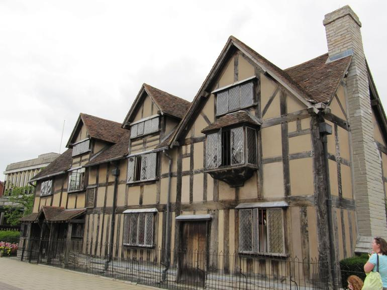 Front of house where William Shakespeare was born - London