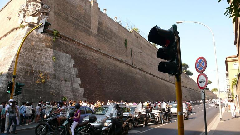 Long Queue - at least half a kilometre - Rome