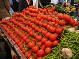 Mercado campesino de Versailles , Manuela R - June 2014
