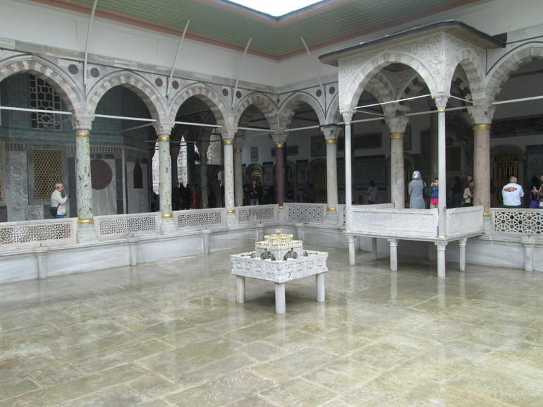 Pool at Topkai palace - Istanbul