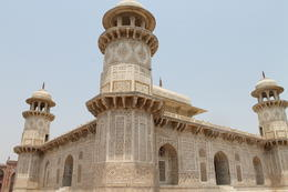Itmad-ud-Daula, tomb build in memory of Mirza Ghiyas Beg - September 2012